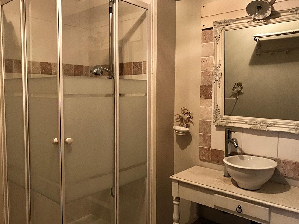 La Cle des Bois - Chambres d'hôtes à Bourg d Oisans - Chambre cristal - salle de bain